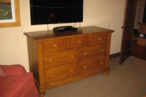 221 7 Drawer Pine Dresser