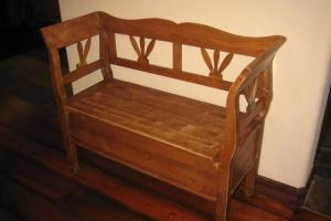 161 Pine Storage Bench