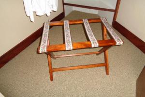 237 Cloth Strap Luggage Rack